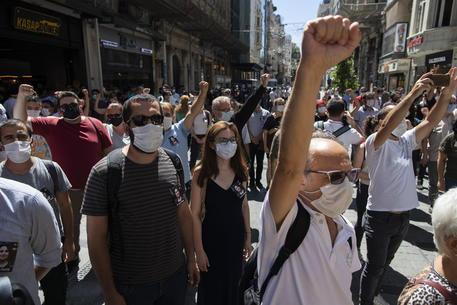 Turchia, l'avvocata Timtik muore dopo 238 giorni di digiuno in cella