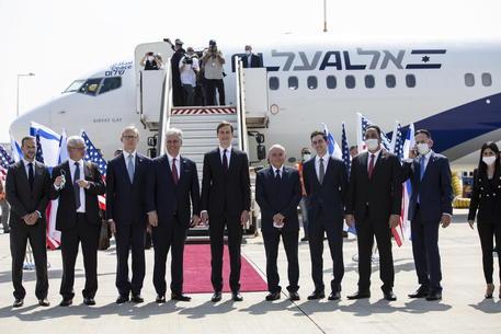 Decollato il primo volo commerciale Tel Aviv-Abu Dhabi