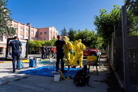 Inail, 51.363 contagi covid sul lavoro, 276 i morti