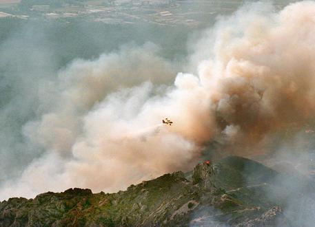 Costa Azzurra, incendio vicino a Marsiglia: evacuate 2700 persone