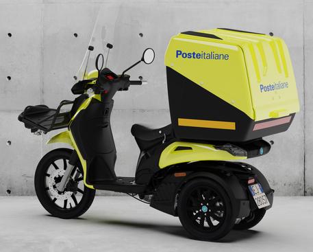Piaggio: commessa di 5.000 scooter da Poste Italiane