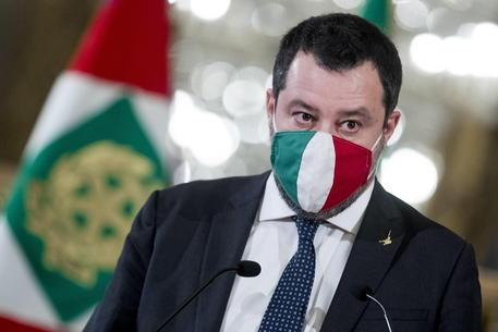 Crisi di governo, Salvini (ri) corregge la rotta: via Conte e ragioniamo
