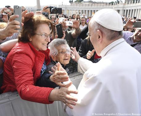Nonni e anziani, l'annuncio di Papa Francesco: