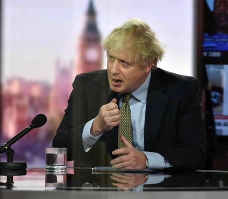 Covid-19, Johnson chiude tutte le scuole in Inghilterra: