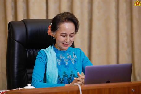 Myanmar: colpo di stato, arrestata Aung San Suu Kyi