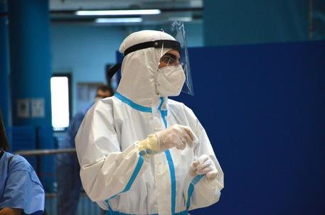 Coronavirus, i nuovi contagi nell'area pratese sono 98. Altri due morti