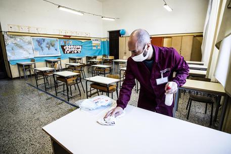 Da domani rientro a scuola confermato per 5,6 milioni di studenti