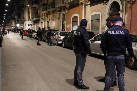 Omicidio a Bari: ragazza 17enne confessa, l'ho ucciso io