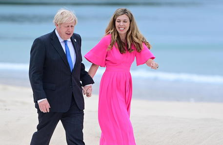 British PM and wife expecting second child © EPA
