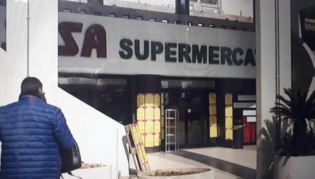 Supermercato Sisa a Gallipoli (ANSA)