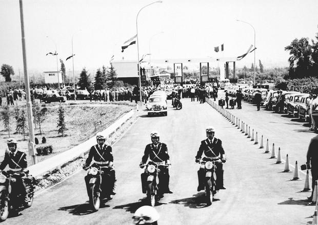 1964 Inaugurata autostrada del sole © ANSA