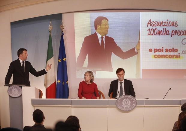 Matteo Renzi durante la conferenza stampa al termine del Consiglio dei Ministri, Roma 12 marzo 2015 (ANSA)