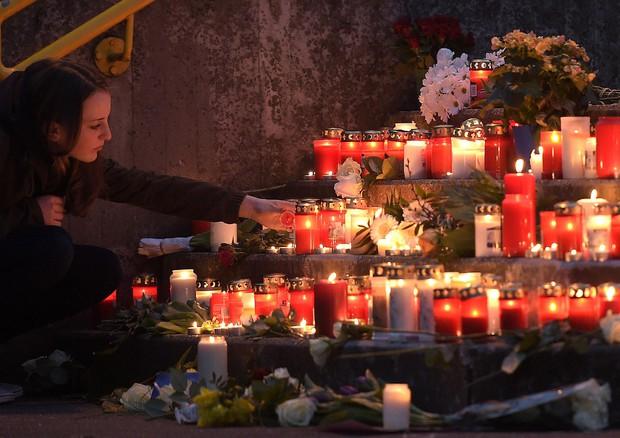 Trovata scatola nera dello Germanwings schiantato in Francia, 150 morti il bilancio (ANSA)