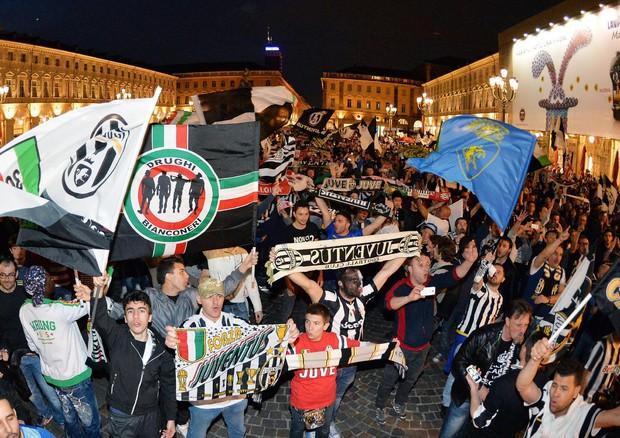La festa a Torino (ANSA)