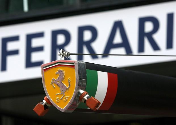 Ferrari aumenta ricavi e rialza target