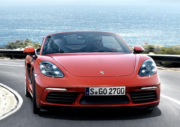 Porsche 718 Boxster, per correre di più si fa 'il quattro'