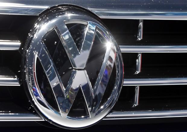 Volkswagen e Porsche richiamano 800 mila veicoli