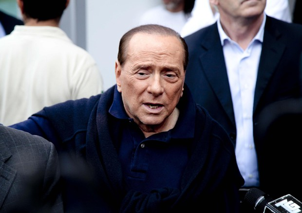 Berlusconi, impegnati in campagna per no