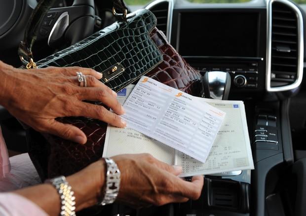 Manovra: dal governo stop all'evasione del bollo auto