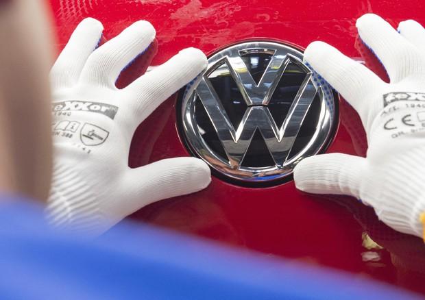 Volkswagen, Ue apre procedura infrazione contro Germania e altri sei paesi