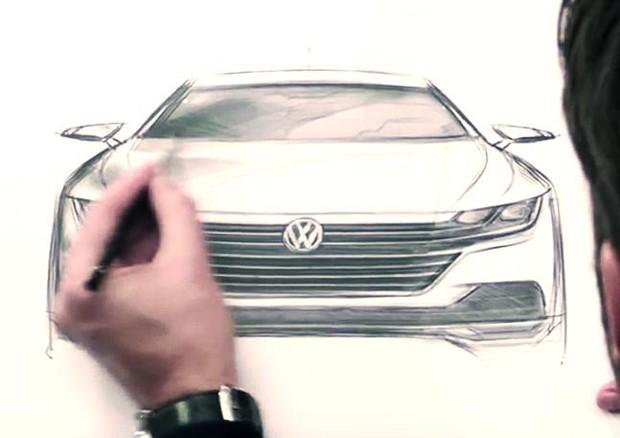 Coupé 4 porte Arteon svela che le Volkswagen cambiano faccia