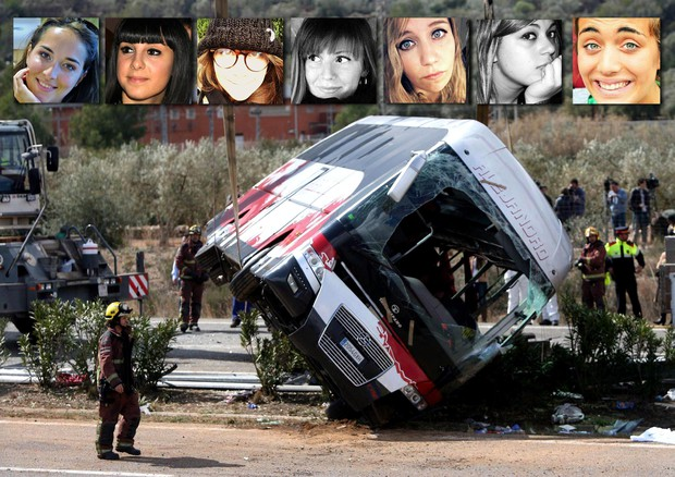 La foto dell'incidente in Catalogna e le 7 italiane © ANSA
