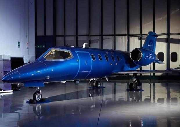 Jet Privato Hamilton : Dalle auto agli aerei lapo elkann presenta un jet