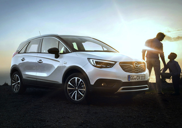 Crossland X, nuovo crossover Opel protagonista dell'X factor