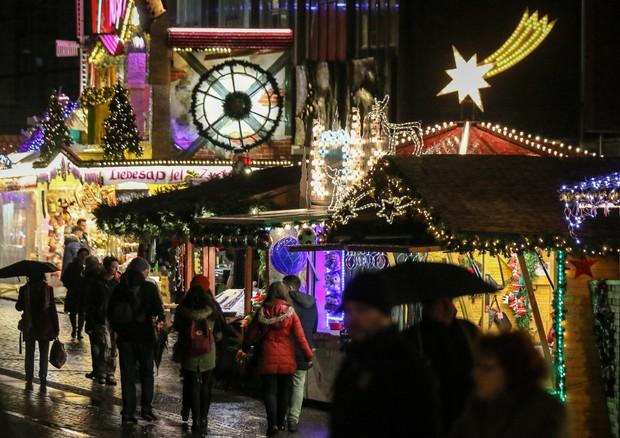 Cenoni e regali: il 24% degli italiani chiederà un prestito a Natale