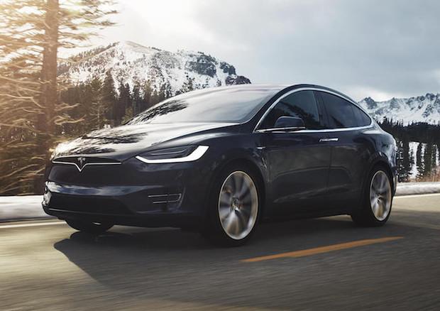 Elon Musk promette un pickup elettrico a marchio Tesla
