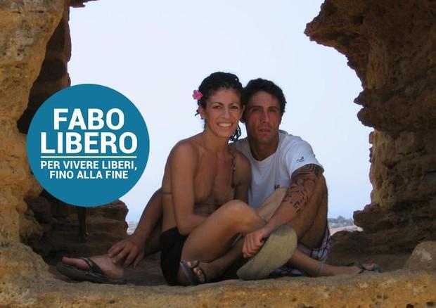 Un'immagine tratta dal profilo Facebook Fabolibero del dj Fabo (ANSA)