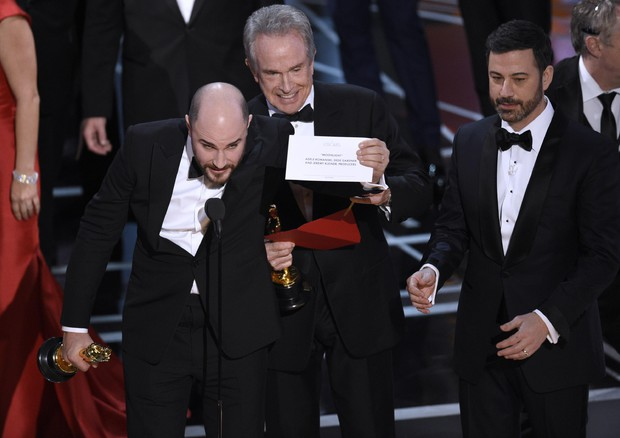 Jordan Horowitz, Warren Beatty, Jimmy Kimmel © AP