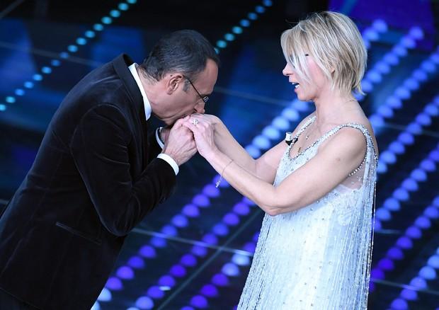 Sanremo 2017, ultime news: per Carlo Conti sarà l'ultima conduzione del Festival?
