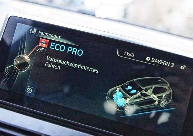 Dal 2025 addio ai motori esclusivamente termici — BMW