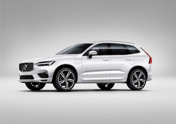 Volvo XC60: il re dei Suv diventa più tecnologico