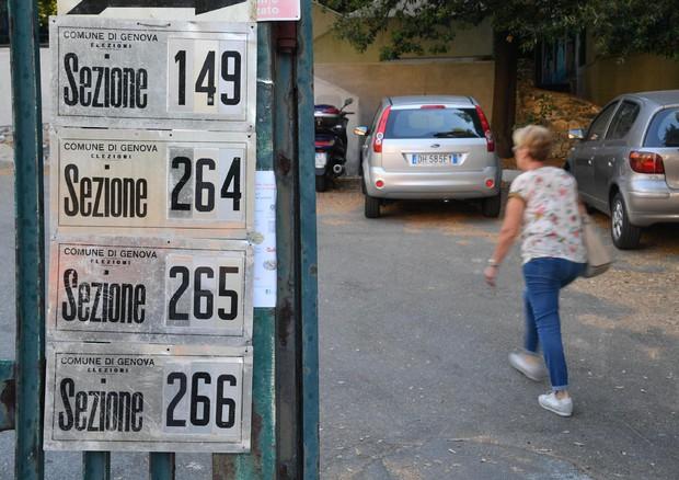 I seggi a Genova l'11 giugno scorso
