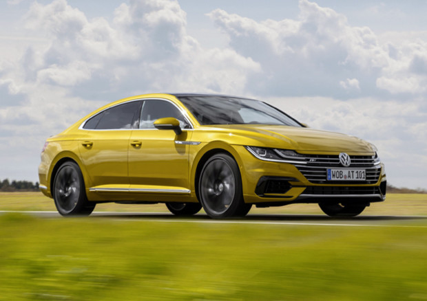 Nuova Arteon: la Volkswagen sostituisce la Passat