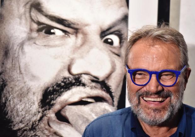 Toscani è tornato. E attacca Salvini e gli elettori della Lega