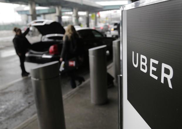 Uber: agenzia trasporti Londra non rinnova licenza