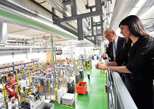 Pirelli a settimo la fabbrica firmata renzo piano for Pirelli settimo torinese