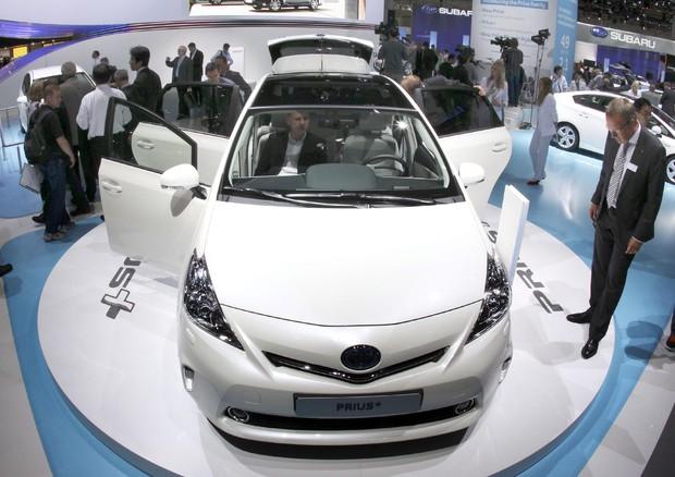 Toyota richiama oltre 2,4 milioni di autovetture ibride