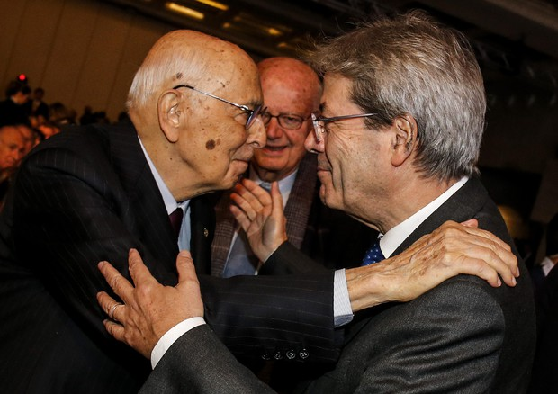 Napolitano, endorsement per Gentiloni: