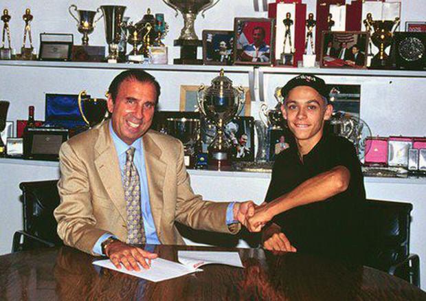 Ivano Beggio e un giovanissimo Valentino Rossi © Ansa