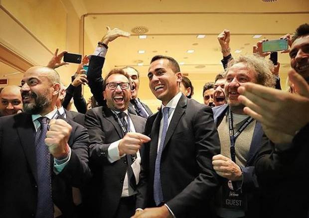 Luigi Di Maio esulta dopo aver visto le prime proiezioni sul Senato © ANSA