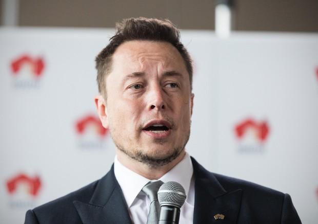 Tesla, Elon Musk vuole portarla via da Wall Street: