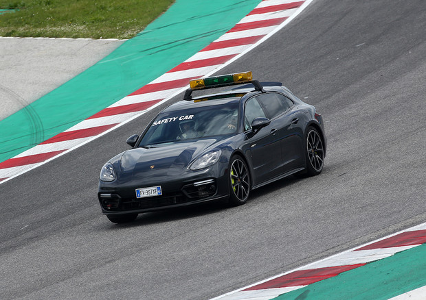 Panamera Safety Carrera Cup © Ansa