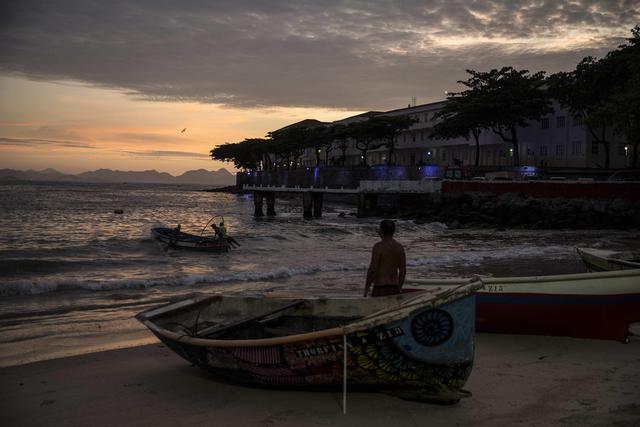 Rio de Janeiro to Alba: 5 ways to get