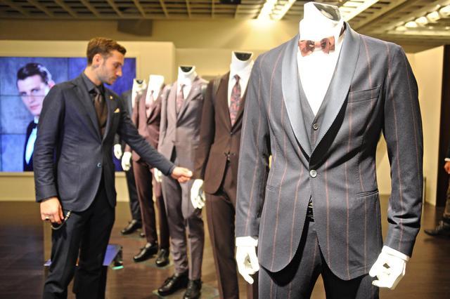Moda  a Pitti l uomo col cappotto 4c0cb0a351f