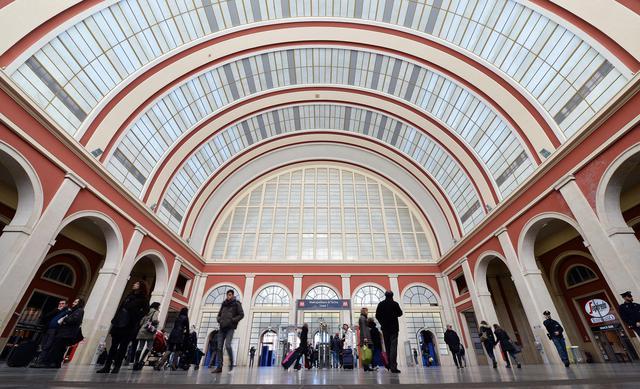 La stazione porta nuova a torino restaurata primopiano - Turin porta nuova ...