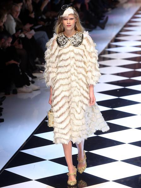 Moda  sfila la favola di Dolce e Gabbana - Spettacolo - Ansa.it aac7c7aa37d